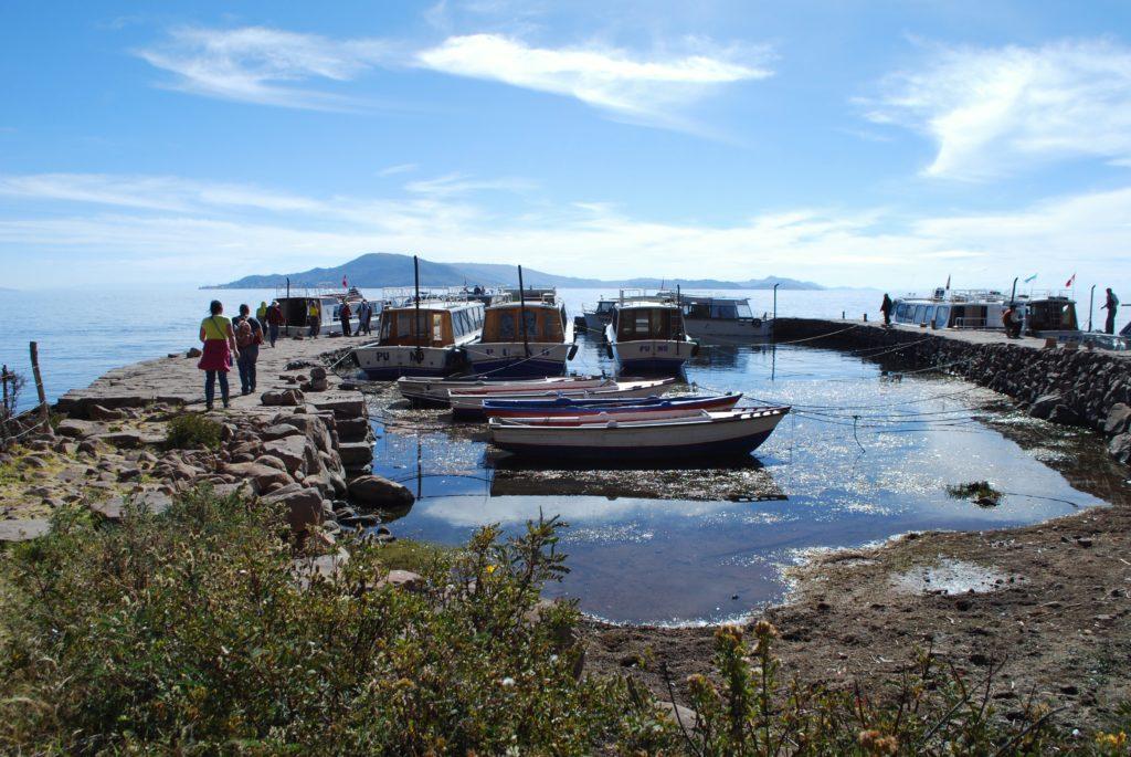 Partenza dall'isola di Taquile sul lago Titicaca