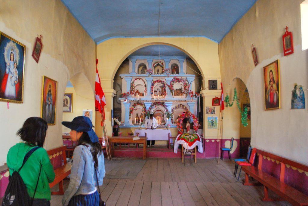 Chiesa sull'isola di Taquile sul lago Titicaca