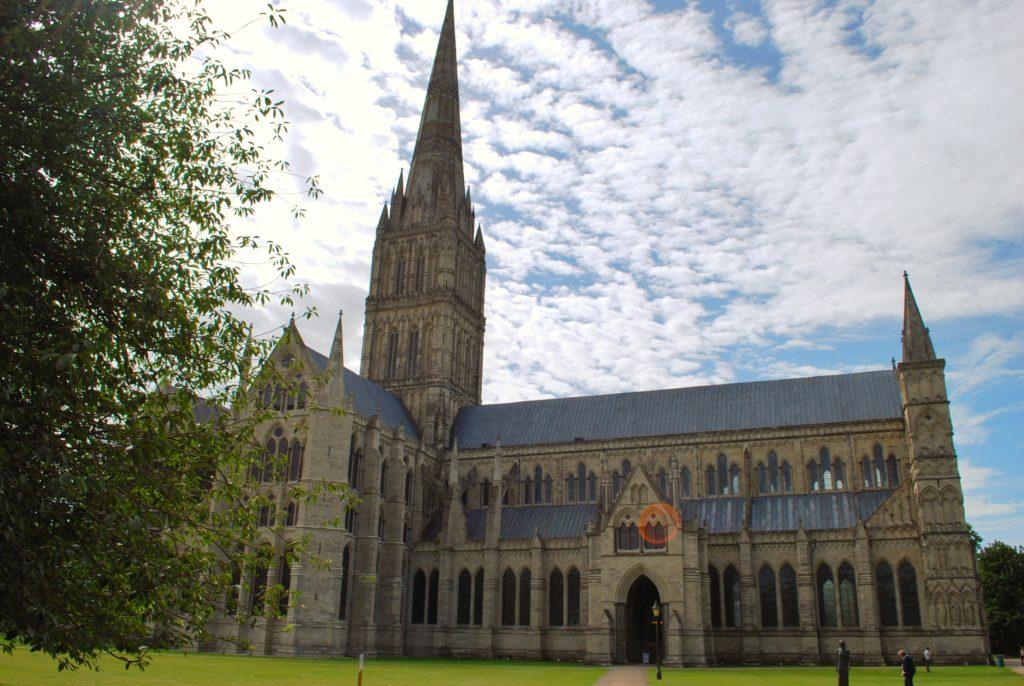 Veduta della cattedrale di Salisbury in Inghilterra