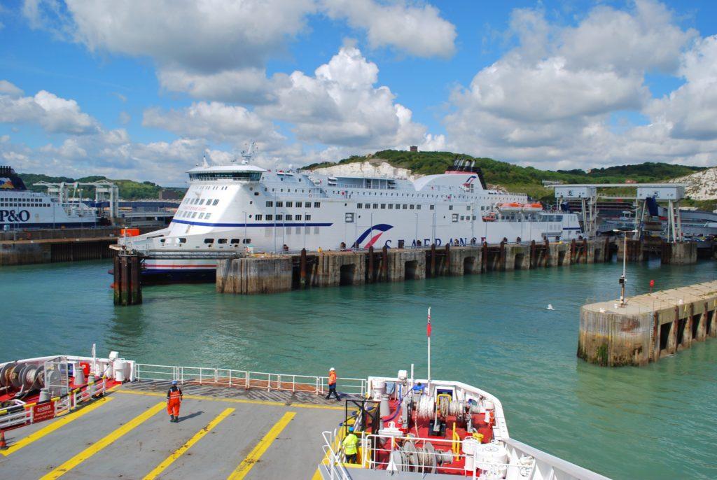Traghetto a Dover in Inghilterra