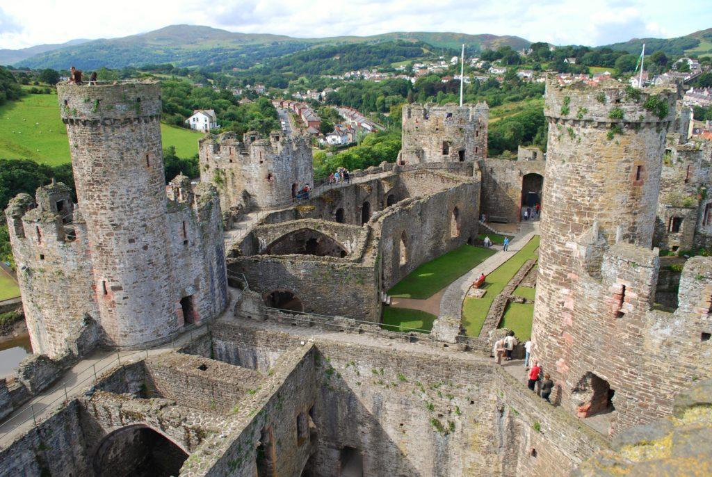 Vista dall'alto del castello di Conway in Galles