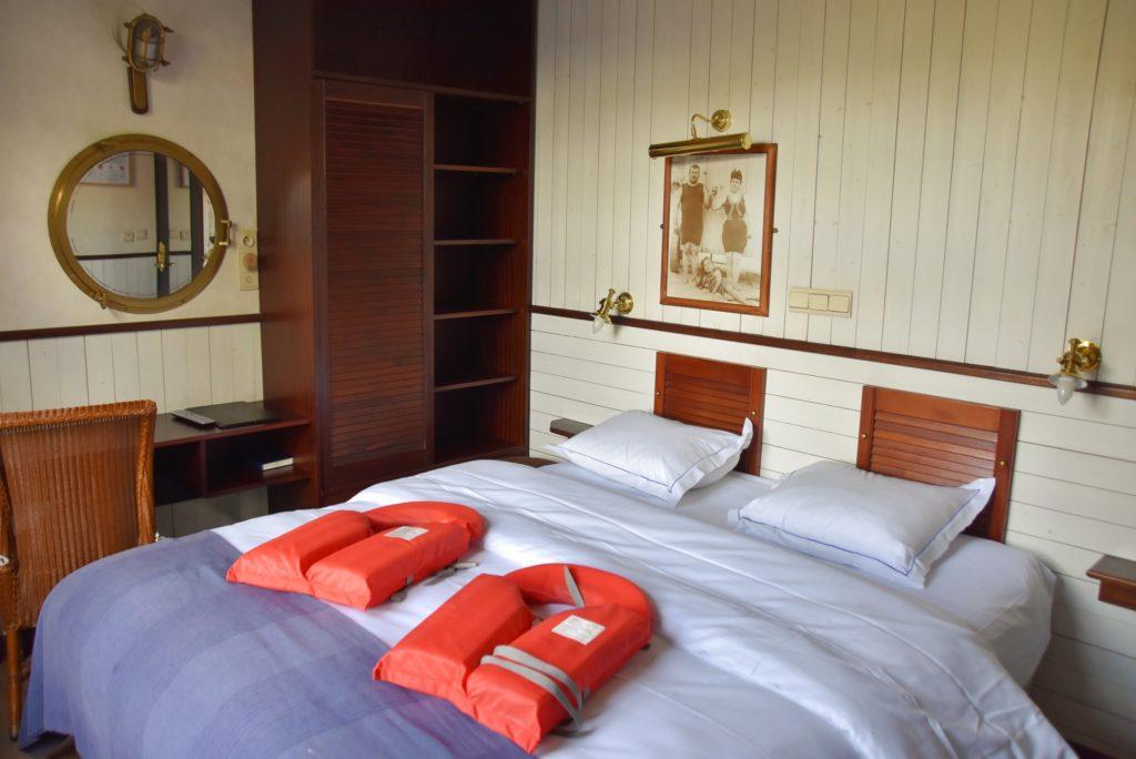Boat Hotel de Barge a Bruges