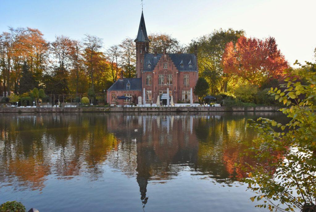 Il Minnewater di Bruges in Belgio