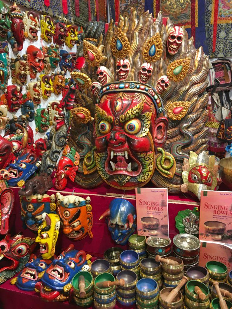 oggetti dal Nepal alla fiera dell' artigianato