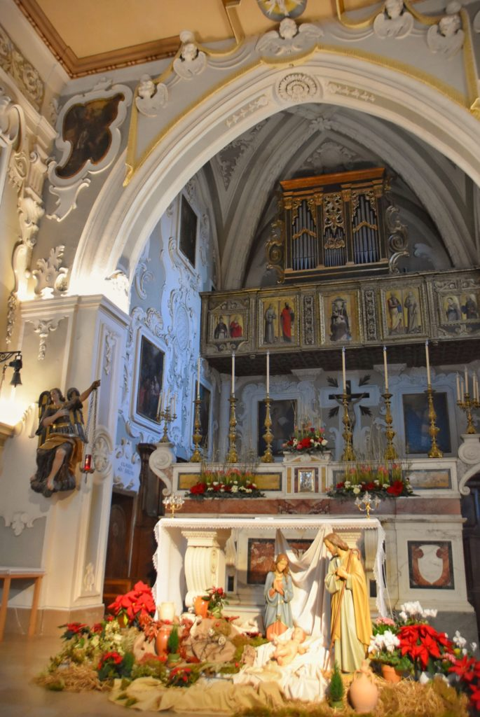 Altare maggiore nella cattedrale di Matera